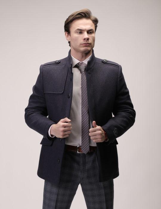 Пальто мужское (черное cо стойкой)